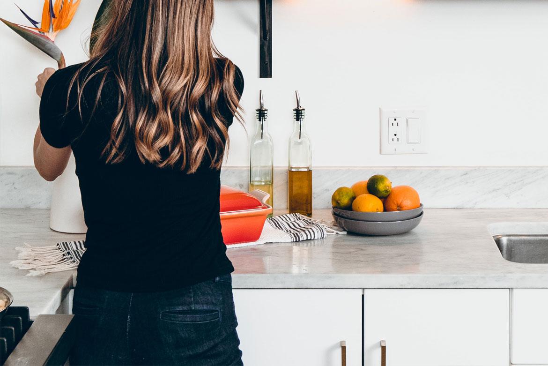 4 Tipps für den Corona Alltag mit Homeoffice und Kinderbetreuung - Küche vorbereiten